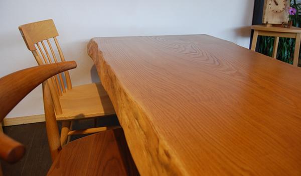 木のテーブルコンセプト