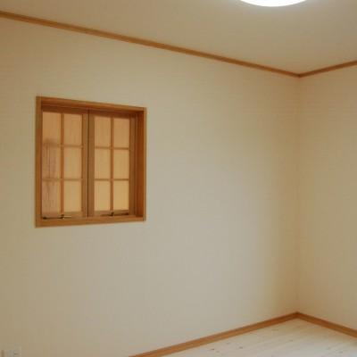 子供部屋:もちろん子供たちの部屋にもSUMICASを取り入れています。パインの床には白いオイルを塗って可愛らしい部屋に仕上げました。