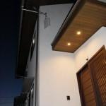 玄関(2):少し町屋風の外観。ホッと出来て帰りたくなる我が家です。