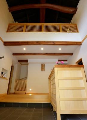 蔵を一棟分のスペースを玄関ホールにリフォーム
